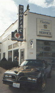 Here's my S/E parked by an old cool neon Pontiac sign in Wellington, Ohio